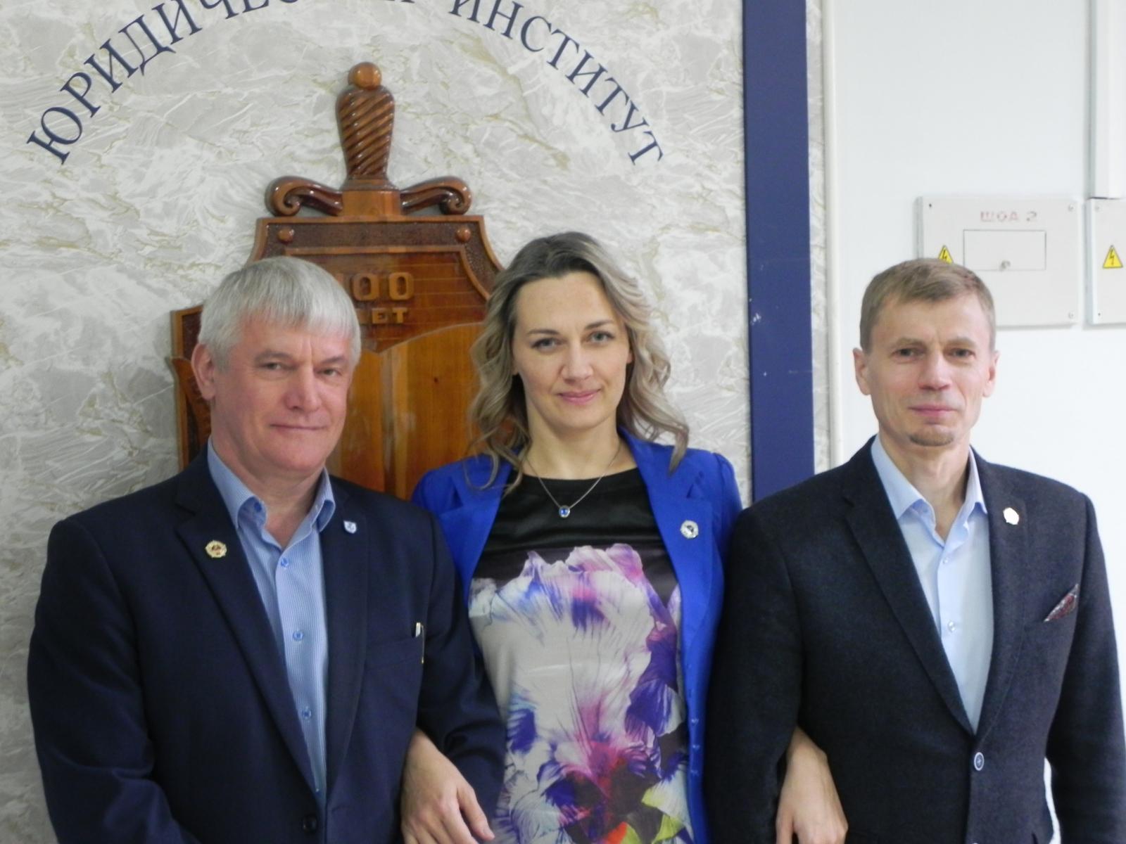 С. Л. Лонь, Хохлова Т. В., Мезинов Д. А.